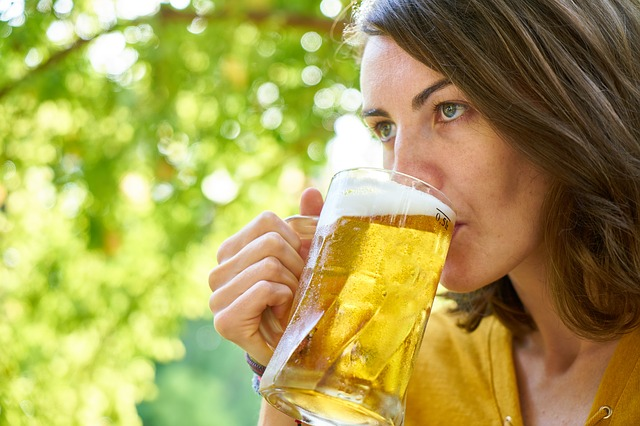 Perchè la Birra fa Bene ai Capelli? Come Migliorare il Tuo Aspetto